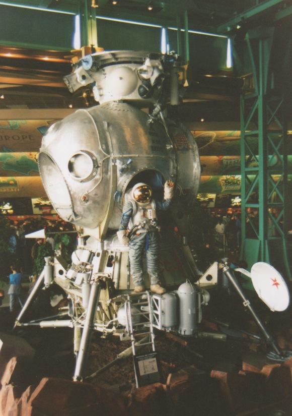 Apollo 18 et la maquette du LK de Souyouz 31 Numari10