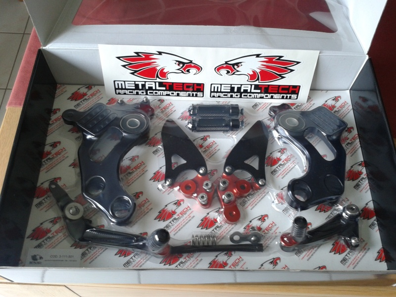 Commandes reculées (CNC, Valtermoto, Rizoma, WRS, Ducabike, Woodcraft, Gilles Tooling, ...) - Page 6 2011-029
