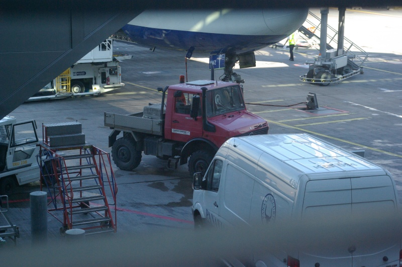 Engins d'aéroports Imgp0965