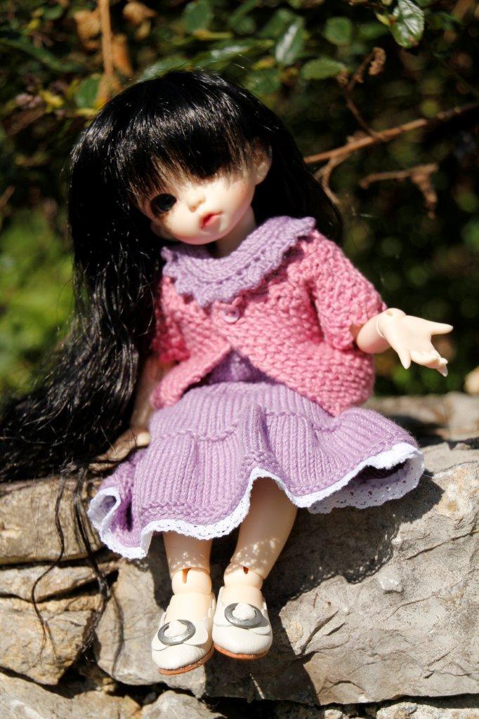 Une adorable petite en tenue guimauve Nadage21