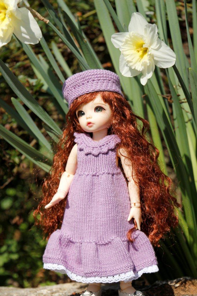 Une adorable petite en tenue guimauve Nadage23