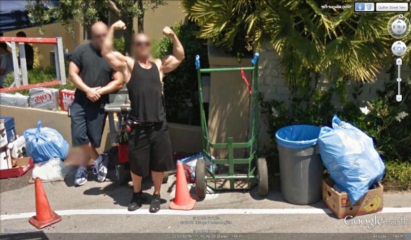 Equipe de tournage au bord de la route en Californie [STREET VIEW] Bulde10