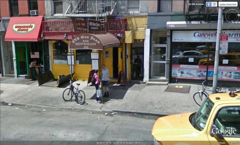 STREET VIEW : les gens en chaussettes noires ! - Page 19 Ch2510