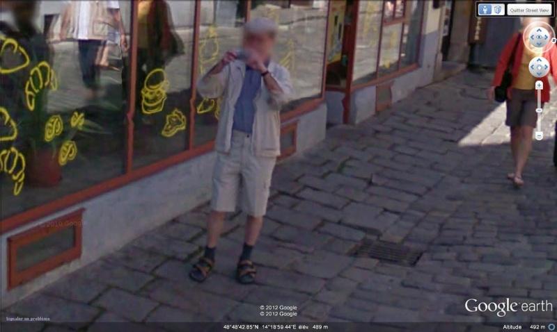 STREET VIEW : les gens en chaussettes noires ! - Page 20 Chsand11
