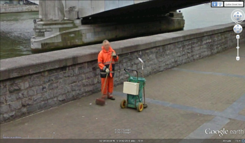 STREET VIEW : les gens nettoient  Nettoi10