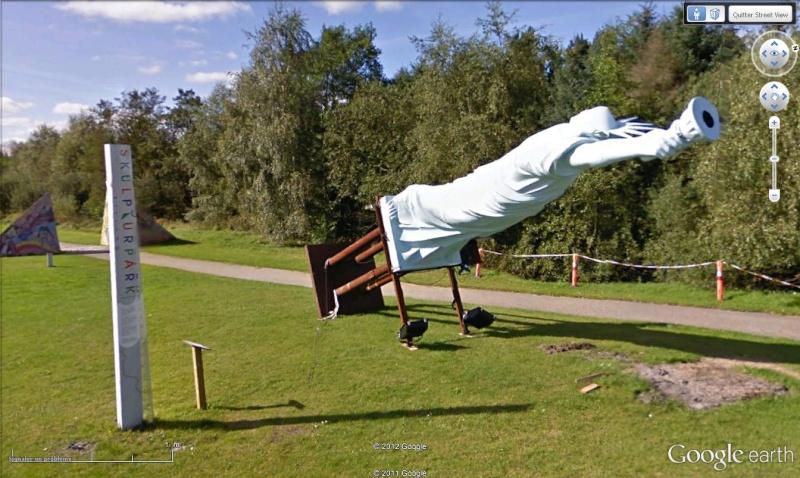 Statue de la Liberté = les répliques découvertes grâce à Google Earth - Page 4 Skulpt10
