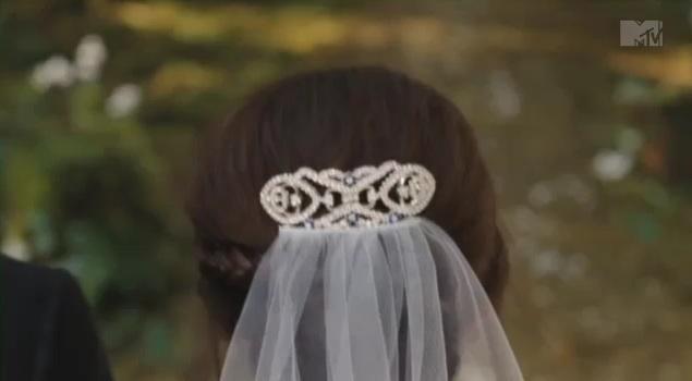 [Spoilers] Le mariage d'Edward et Bella et leur livre d'or Breaki12