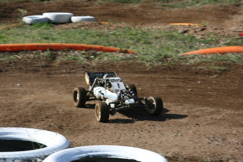 Course Ligue TT1/5 et 1/8 Brushless le 18/09/2011 à l'AMCH.  Img_9410