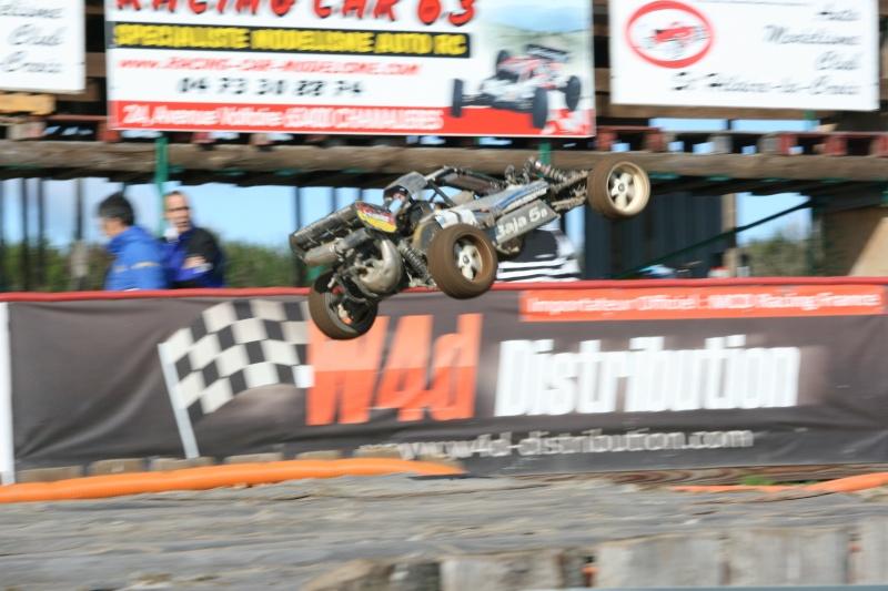 Course Ligue TT1/5 et 1/8 Brushless le 18/09/2011 à l'AMCH.  Img_9412