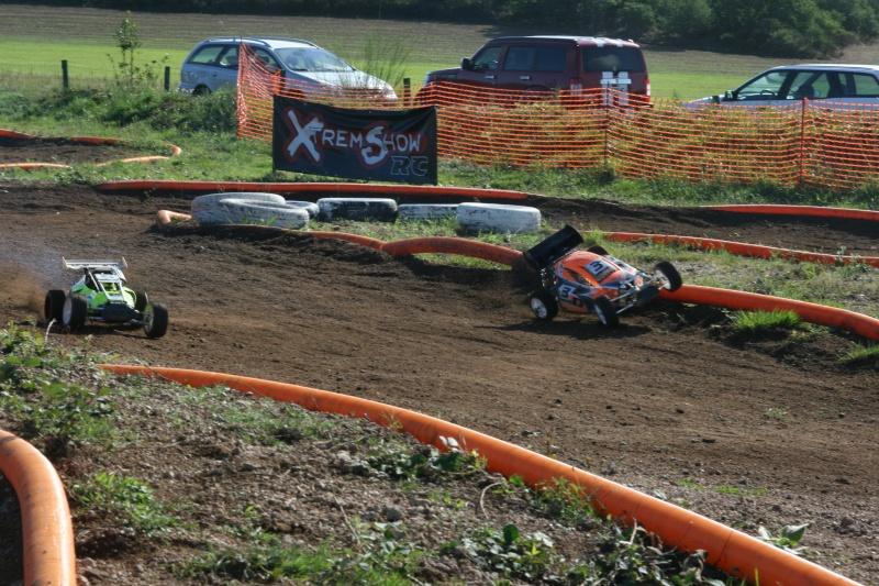 Course Ligue TT1/5 et 1/8 Brushless le 18/09/2011 à l'AMCH.  Img_9413
