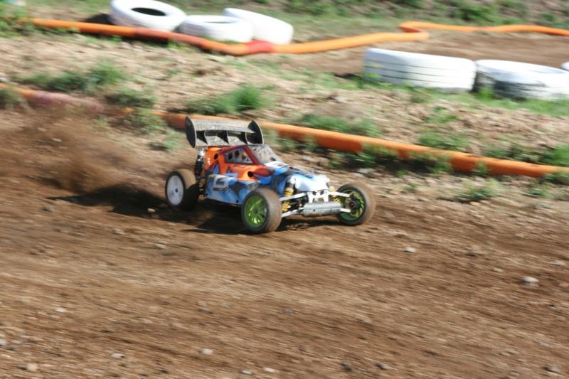 Course Ligue TT1/5 et 1/8 Brushless le 18/09/2011 à l'AMCH.  Img_9415