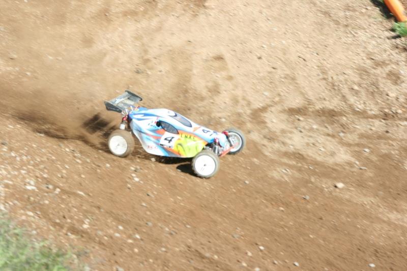 Course Ligue TT1/5 et 1/8 Brushless le 18/09/2011 à l'AMCH.  Img_9418