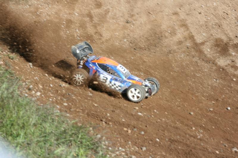 Course Ligue TT1/5 et 1/8 Brushless le 18/09/2011 à l'AMCH.  Img_9420