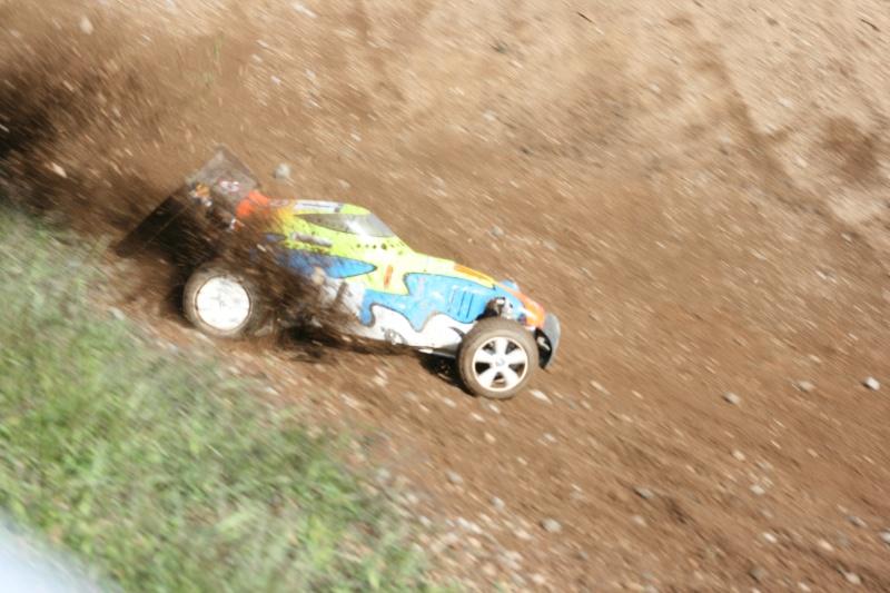 Course Ligue TT1/5 et 1/8 Brushless le 18/09/2011 à l'AMCH.  Img_9423