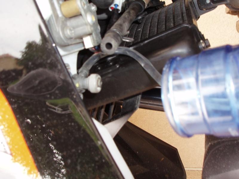 Discussions autour tuto démonter pompe à essence - Page 2 Pb080022