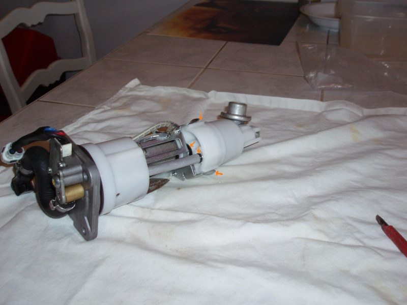 Discussions autour tuto démonter pompe à essence - Page 2 Pb080024