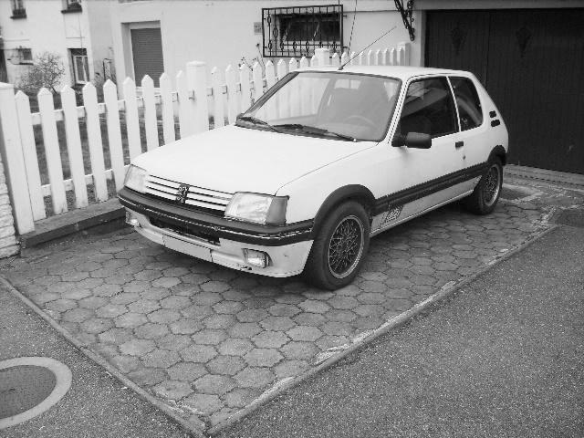 [Gtiste59]205 GTI 1.6L Blanc Meije 1986  20501m10