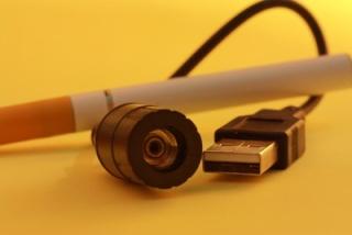 Die E-Zigarette qualmt - trotz Bedenken Gisela10