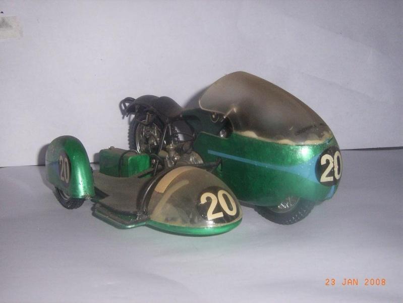 MAQUETTES DE MOTOS. Rimg3321