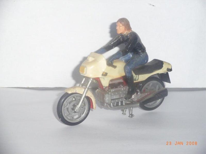 MAQUETTES DE MOTOS. Rimg3324