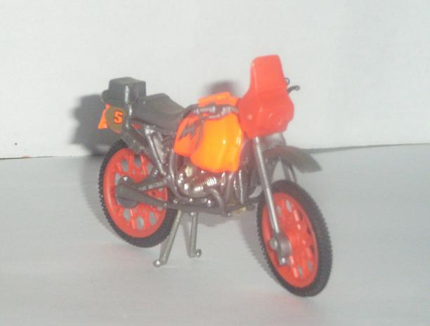 MAQUETTES DE MOTOS. Rimg3335