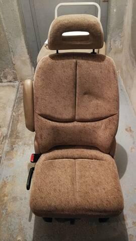 Deux sièges arrière Chrysler Grand Voyager S3 (année 2000) Img_2033