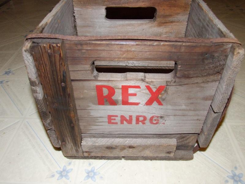 Caisse en bois Les eaux gazeuses Rex de St-Jérôme 2012_037