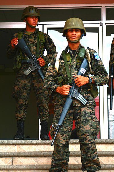 armée du Honduras. 400px-11