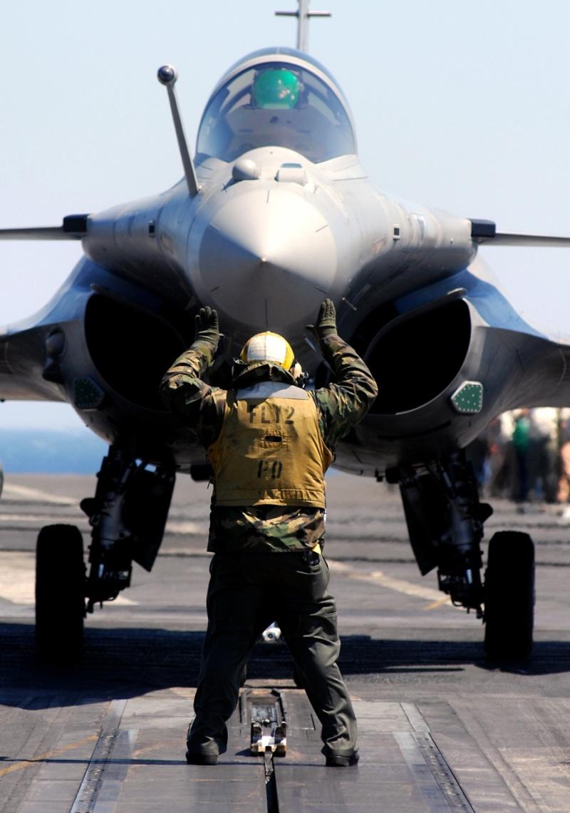 Photos d'avions militaires - Page 15 Choose26