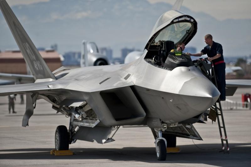 F-22 Raptor - Page 16 F-22-r11