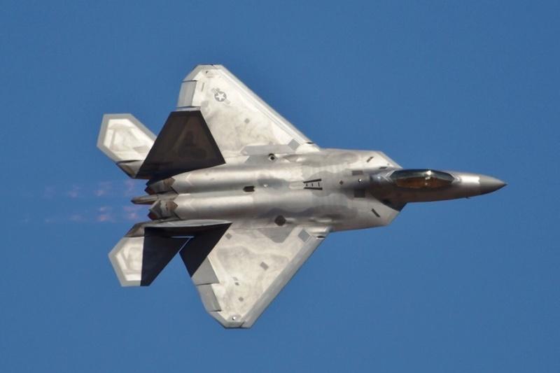 F-22 Raptor - Page 16 F-22-r15