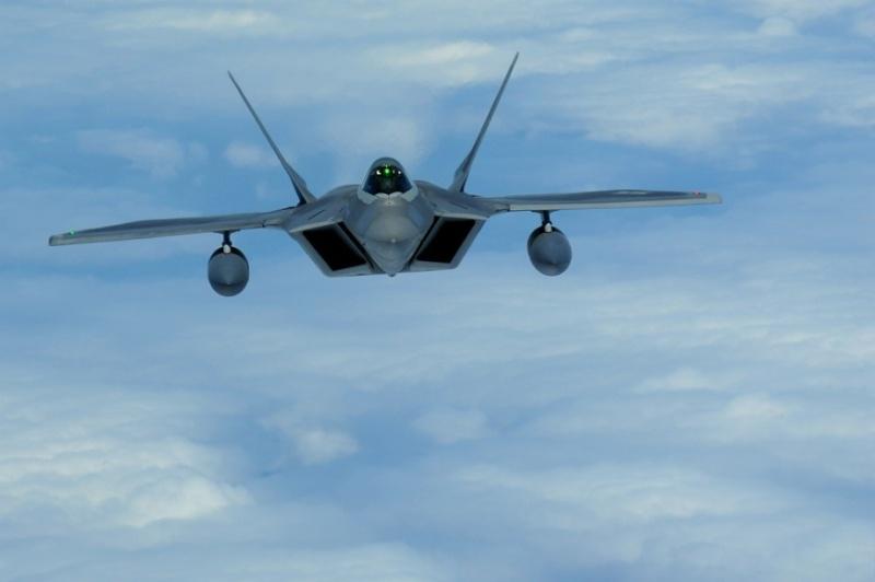 F-22 Raptor - Page 16 F-22-r17