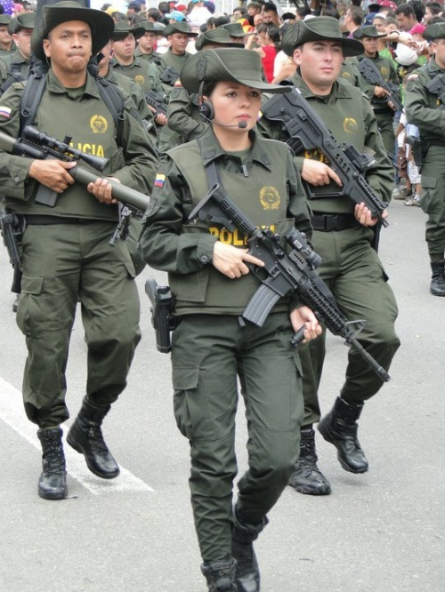 Armée Colombienne / Military Forces of Colombia / Fuerzas Militares de Colombia - Page 6 Rando124