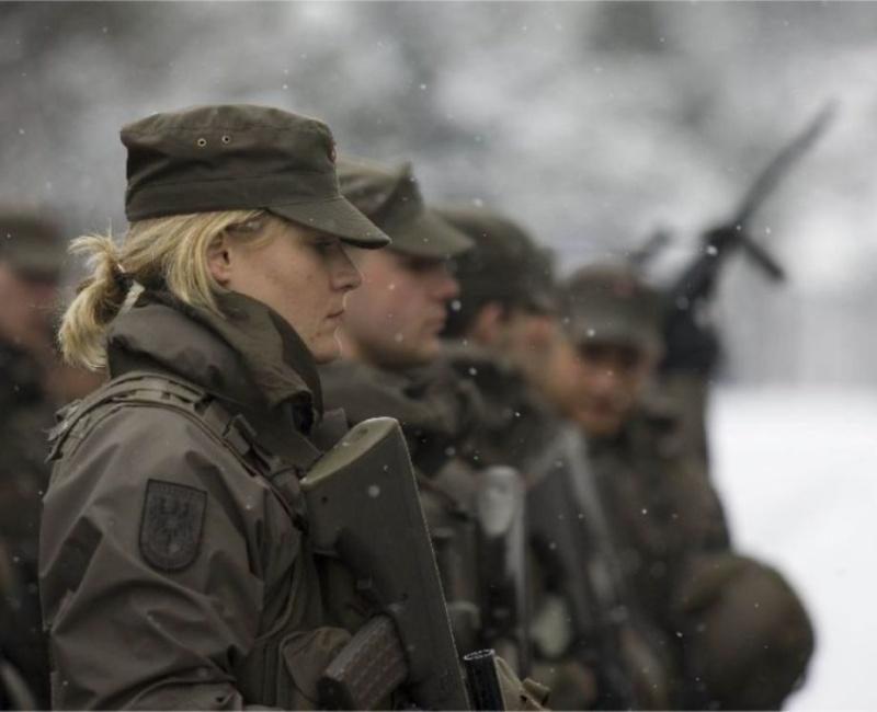 soldates du monde en photos - Page 6 Random99