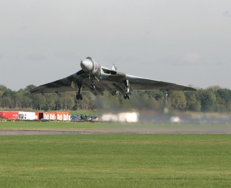 Photos d'avions militaires - Page 15 Vulcan11