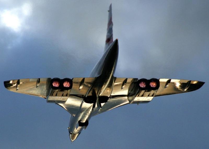 Photos d'avions militaires - Page 15 Vulcan12