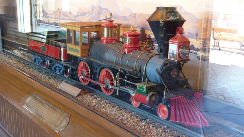 [Disneyland Park] Le Lilly Belle, wagon VIP du Disneyland Railroad P1070510