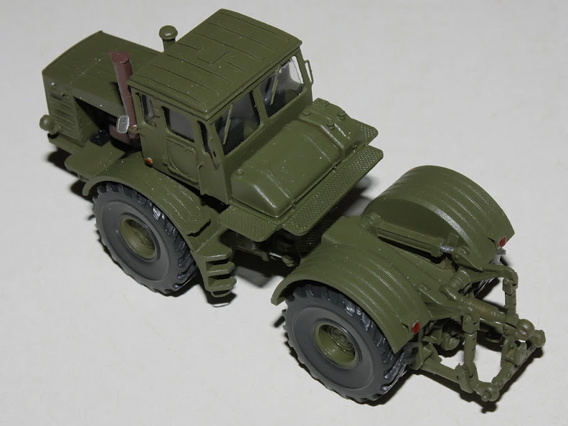Kirovets K-700 Icarcz11
