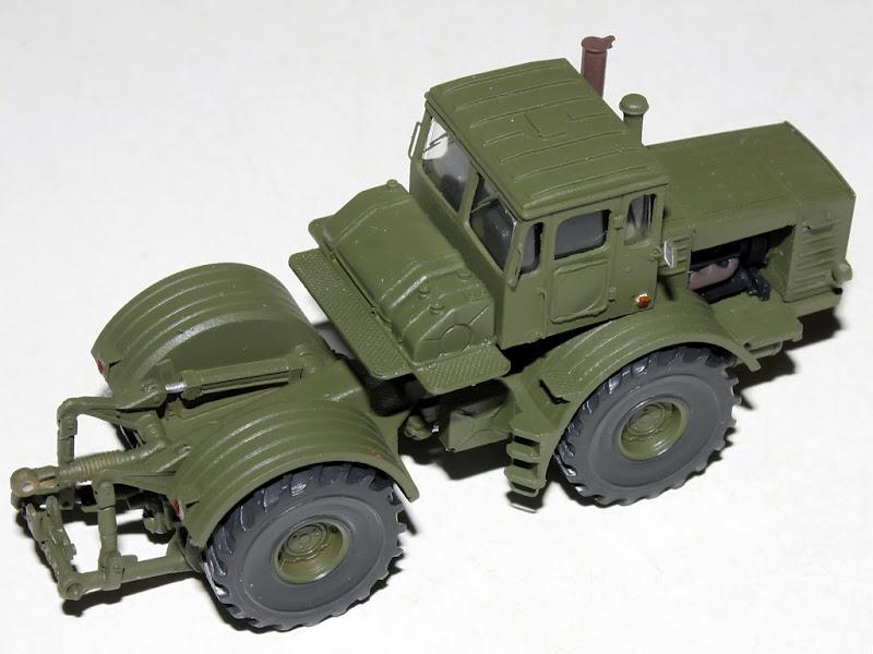 Kirovets K-700 Icarcz12