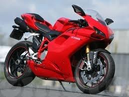 Y a des amateurs de motos ici ? 1098_b10