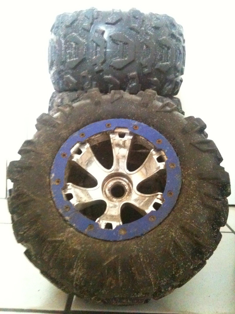 Recensement jantes et pneus monster trucks. Img_0810