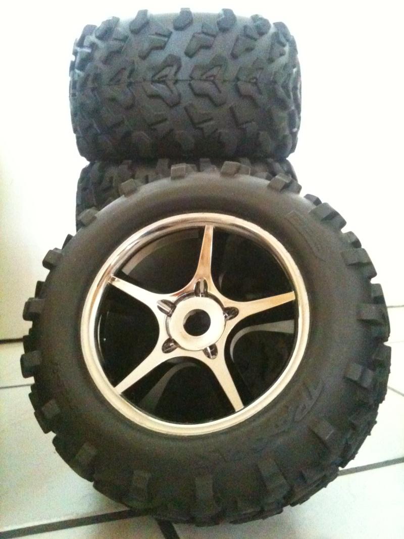 Recensement jantes et pneus monster trucks. Img_0811