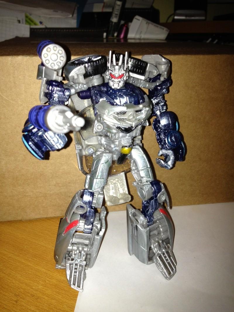 Vos montages photos Transformers ― Vos Batailles/Guerres | Humoristiques | Vos modes Stealth Force | etc - Page 3 Dotm_d20