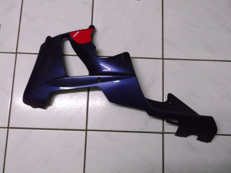 bas de carénages gauche (bleu) 929_0012