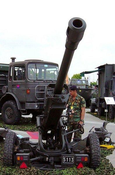 Quels véhicules peuvent  tracter le canon de 105 mm Giat_l11