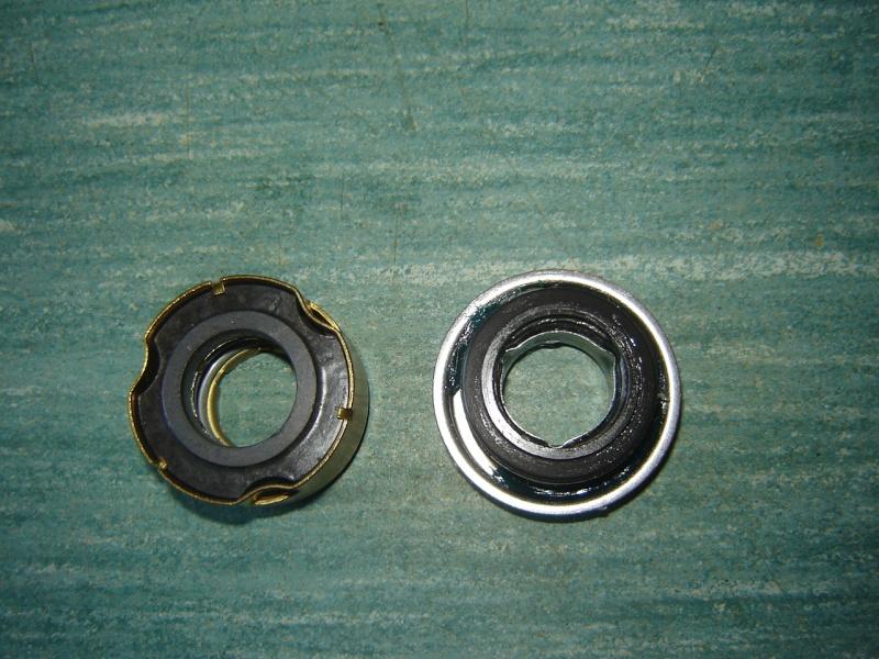 demontage pompe a eau Dsc00311