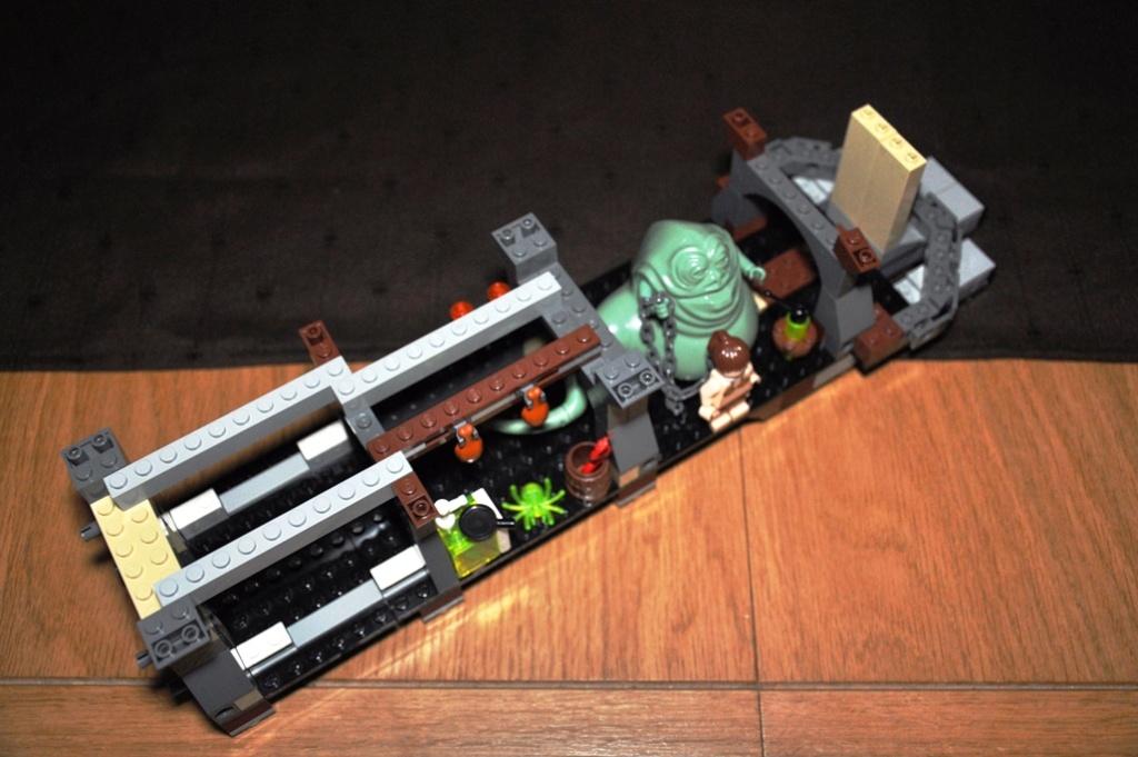 Lego - 6210 - Barge de Jabba Dsc_0118