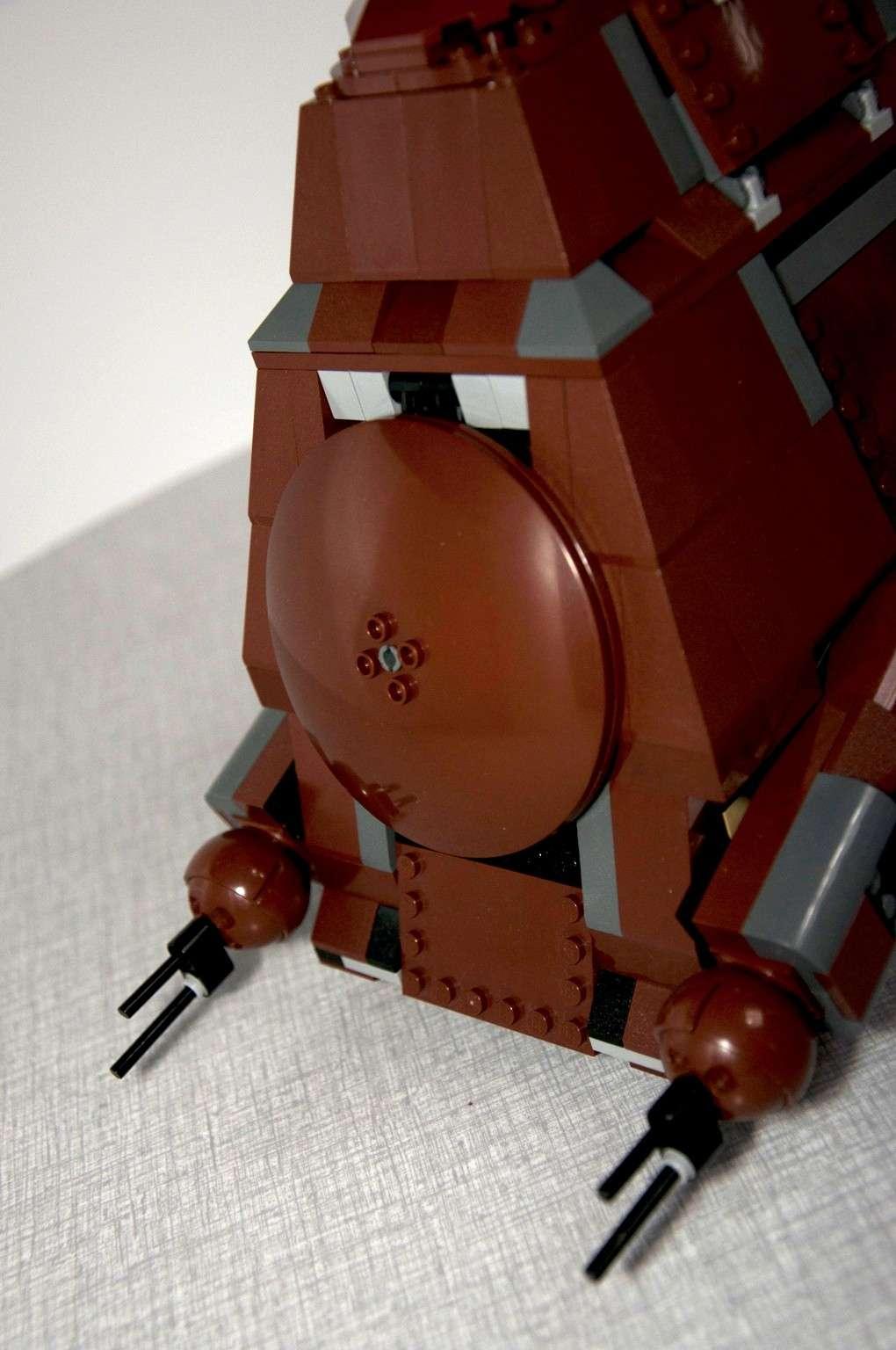 Lego - 7662 - Trade Federation MTT Dsc_0412