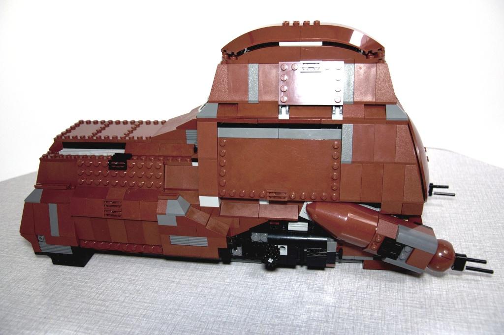 Lego - 7662 - Trade Federation MTT Dsc_0414