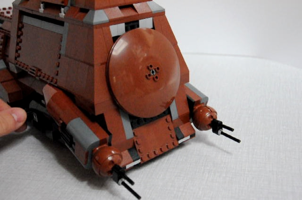 Lego - 7662 - Trade Federation MTT Dsc_0418